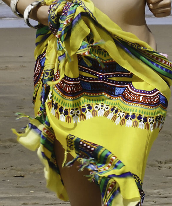 how to wear a sarong at the beach, party or at home